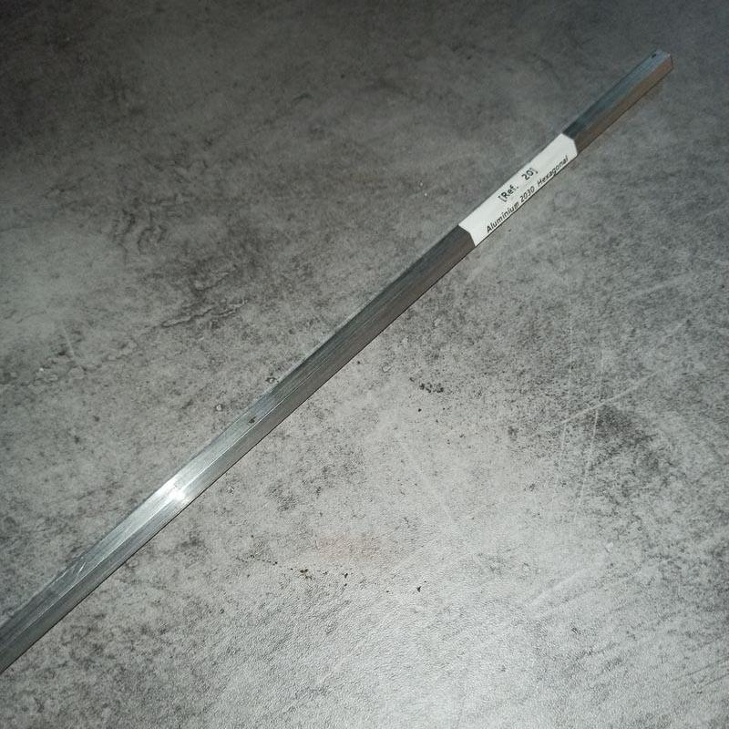 Aluminium 2030 Ep.10 L.600 mm